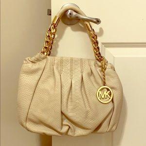 NEVER USED!GENUINE LEATHER!!Michael Kors handbag.